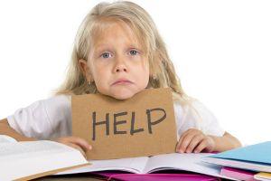 criança que precisa de ajuda para aprender